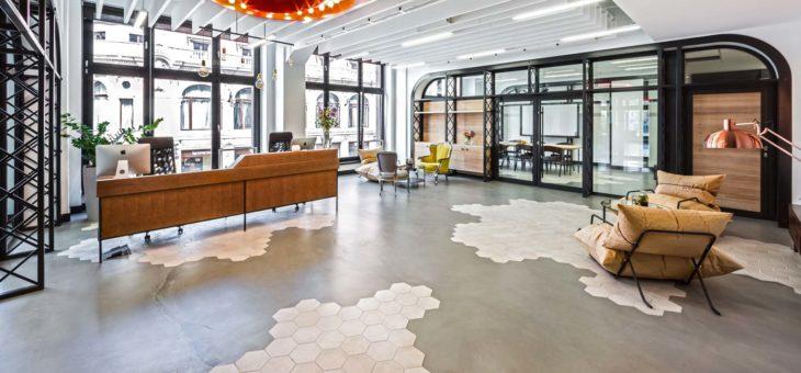 Adopter le carrelage à la place de l'ancien revêtement du sol du bureau