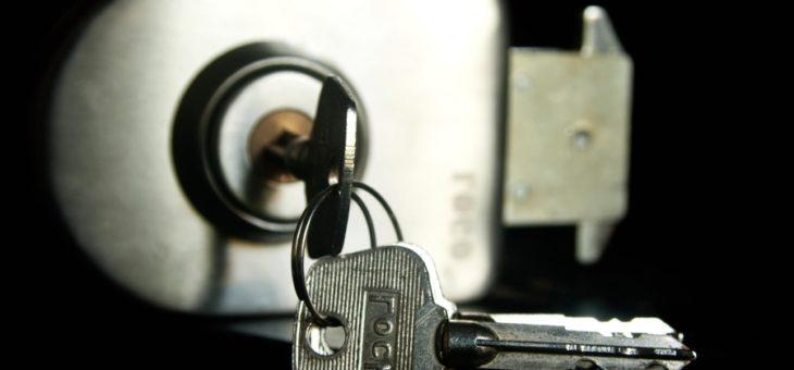 Absence prolongée ? Découvrez comment sécuriser au mieux votre logement