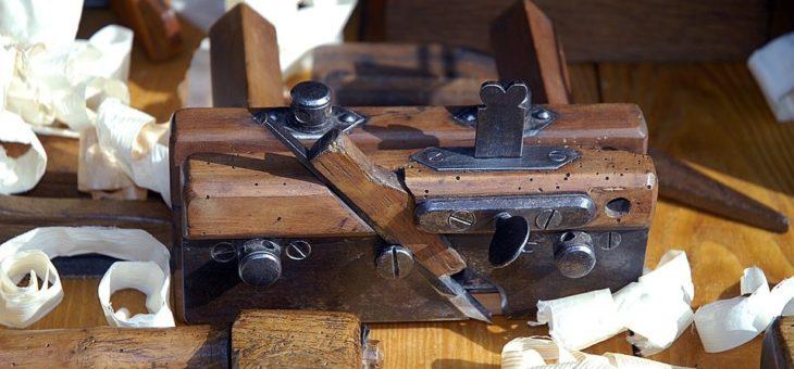 Mobiliers indiens en bois et en métal pour une déco vintage