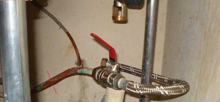 Comment raccorder un flexible sur un tuyau en cuivre ?