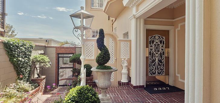 Comment donner vie à l'espace extérieur de sa maison?