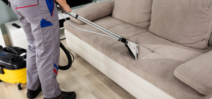 4 astuces pour nettoyer correctement votre canapé